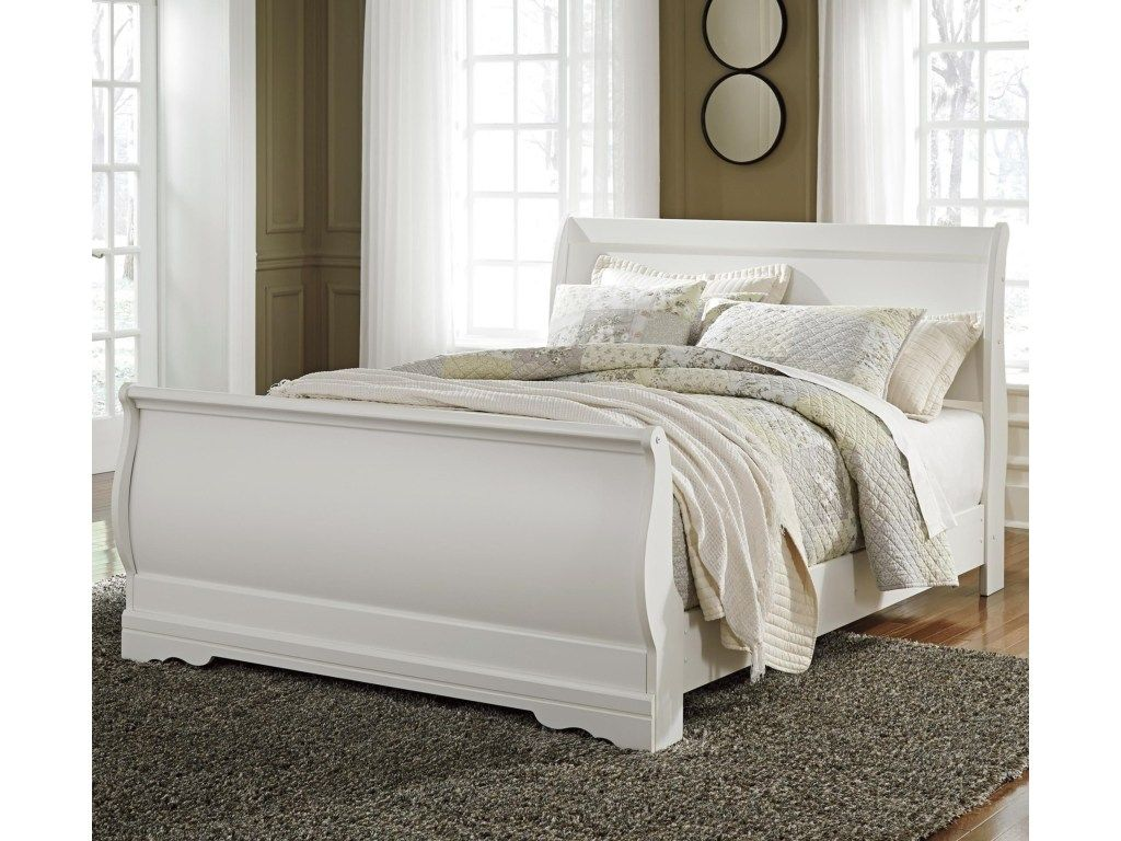 Best This Fantastic Sleigh Bed Features A Beautiful Curved 400 x 300