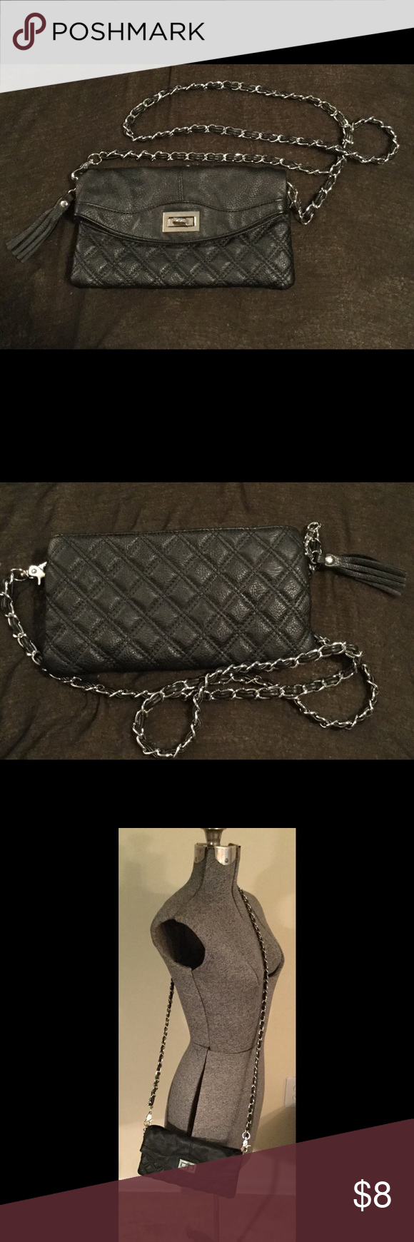 Forever21 Purse This forever21 black purse has a chain strap and has been gently used. The original price is unknown. Forever 21 Bags Crossbody Bags
