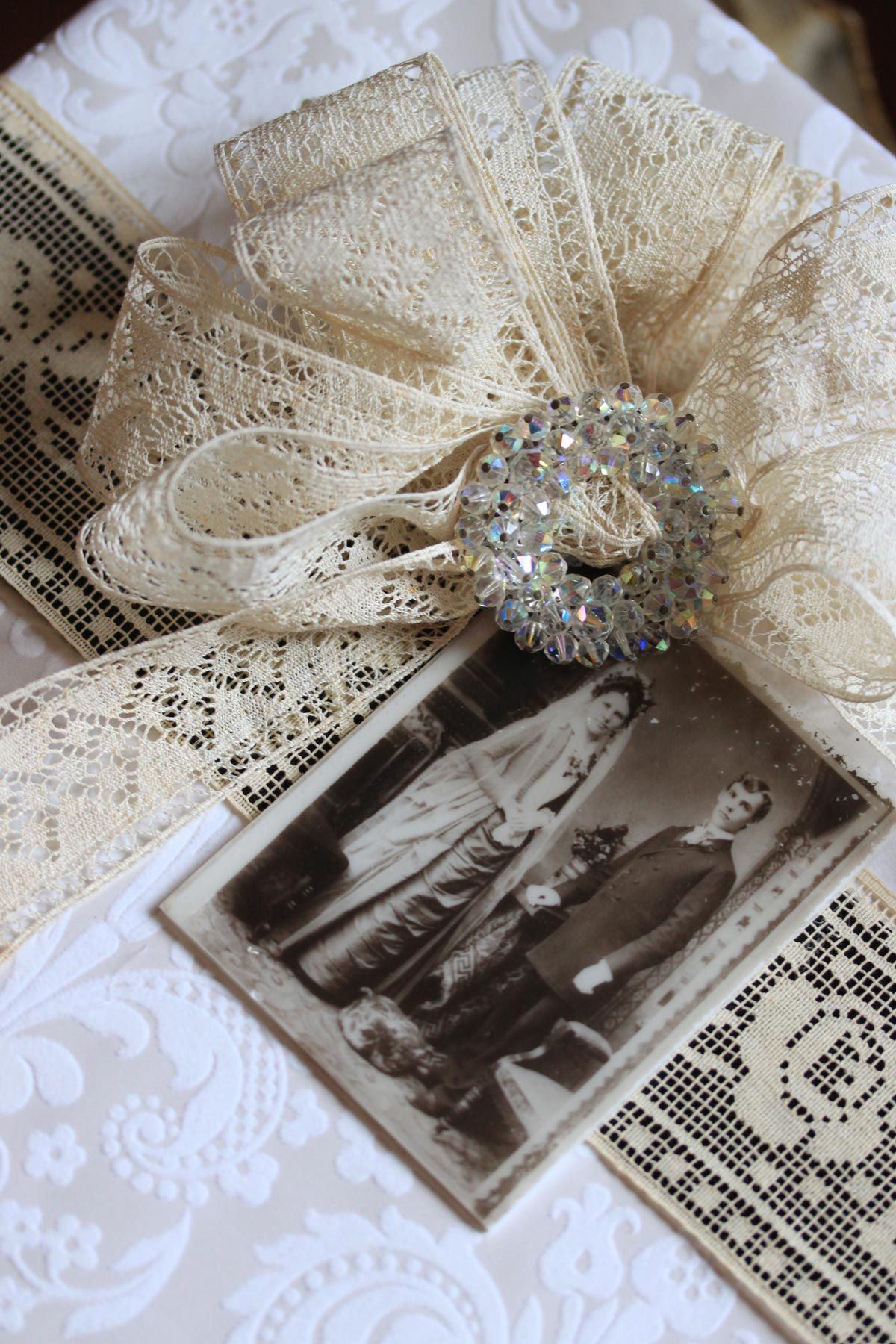 How To Wrap Wedding Gifts: Wedding Gift Wrap (closer!) Made From Photo Filing Box