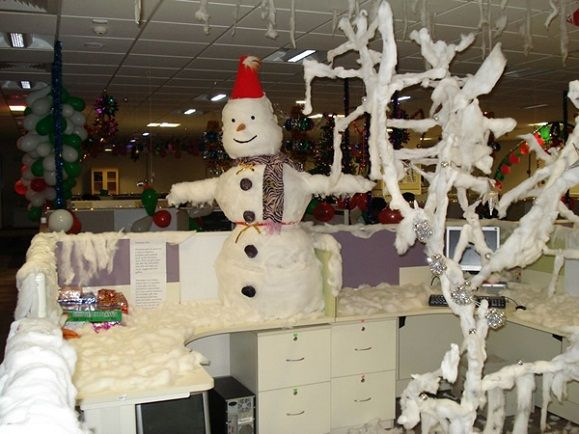 Snowman Christmas Themes Decorations Office Christmas Decorating Themes Holiday Decor