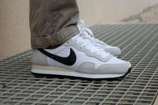 Nike Air Pegasus 83 Noir & Blanc – Disponibles
