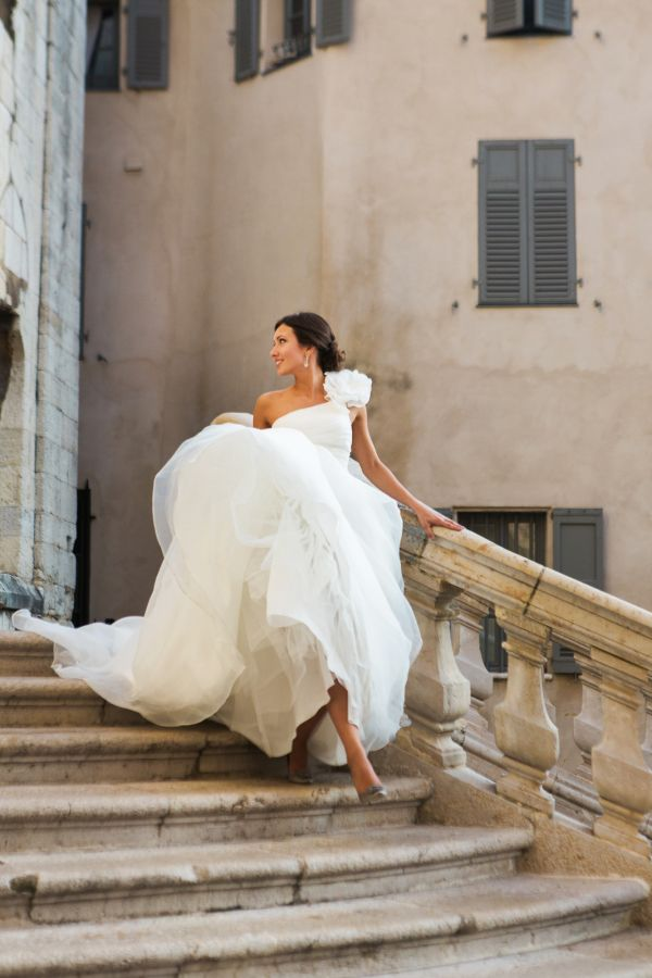 Elegant wedding gown: http://www.stylemepretty.com/destination-weddings/2017/03/09/an-elegant-destination-wedding-in-a-french-castle/ Photography: Lucky Bird - http://myluckybird.co.uk/