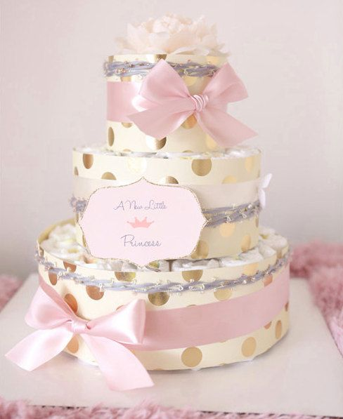 Etsy のBaby Girl Shiny Gold U0026 Pink Diaper Cake / Baby Shower Centerpiece /  Simple Is Best / Flower Elegant Princess/ For Gift / Nappy / Tutu  Tulle(ショップ ...