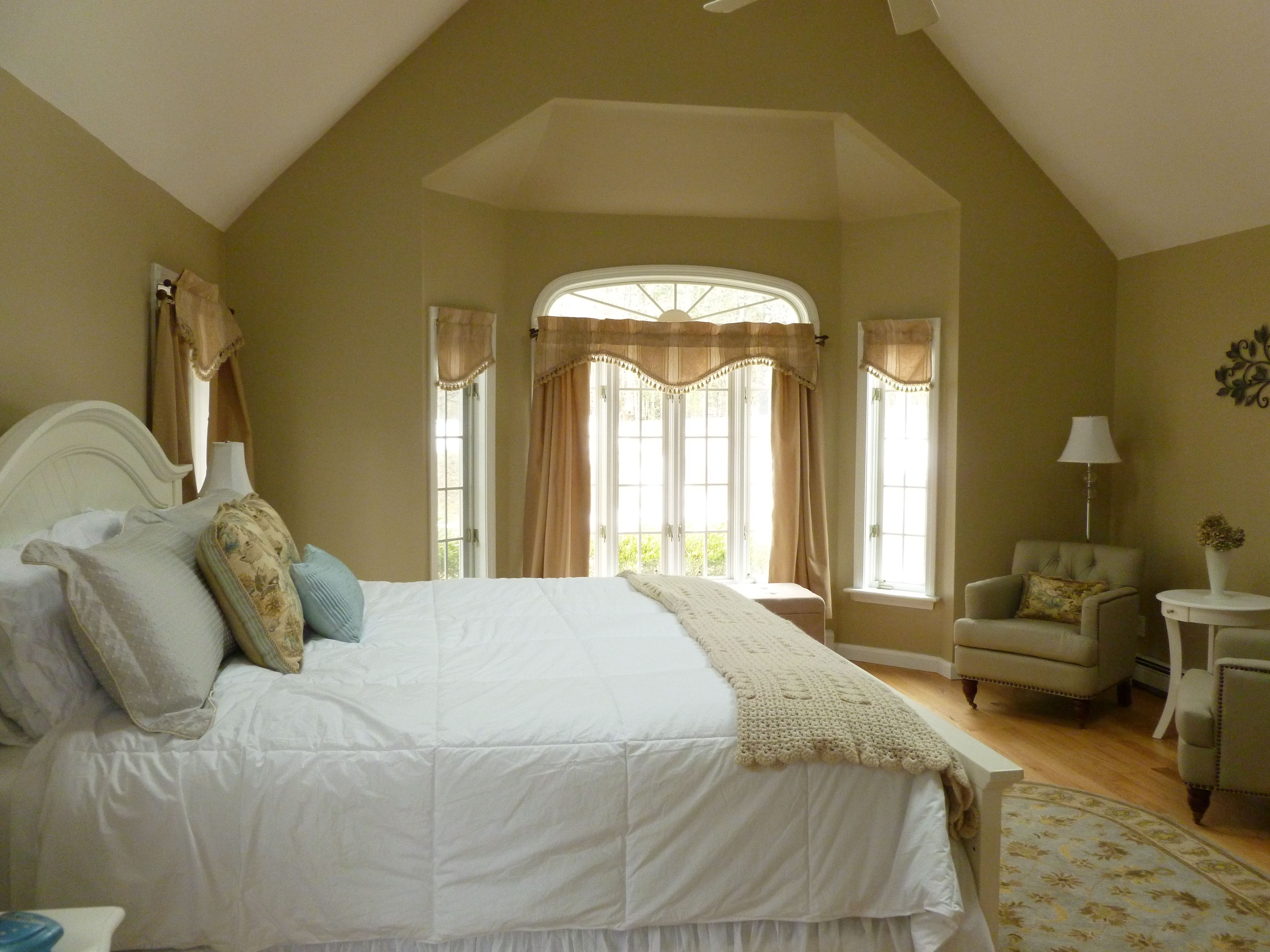 Paris Blue And Beige Change Of Accent Pillows Can Give