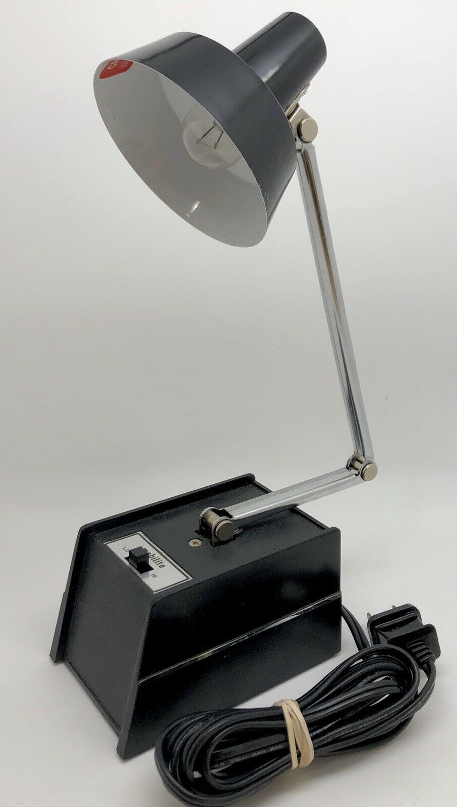 Vintage Mobilite Model 26 Adjustable Black Table Lamp W Weighted Base Rf1019 In 2020 Black Table Lamps Table Lamp Black Lamp Base