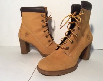 ce02edcad78 Timberland chunky heel boots // leather ankle boots // size 8 1/2 // beyonce