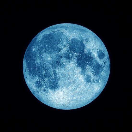 Avec la lune bleue pleine d'émotions le 18 mai: concentrez-vous sur ce qui est le plus important   Esprit Spiritualité Métaphysiques