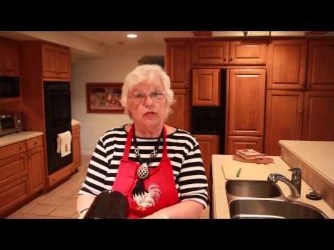 Nana's Cookery Eva Marie Saint's Apple Pie - YouTube