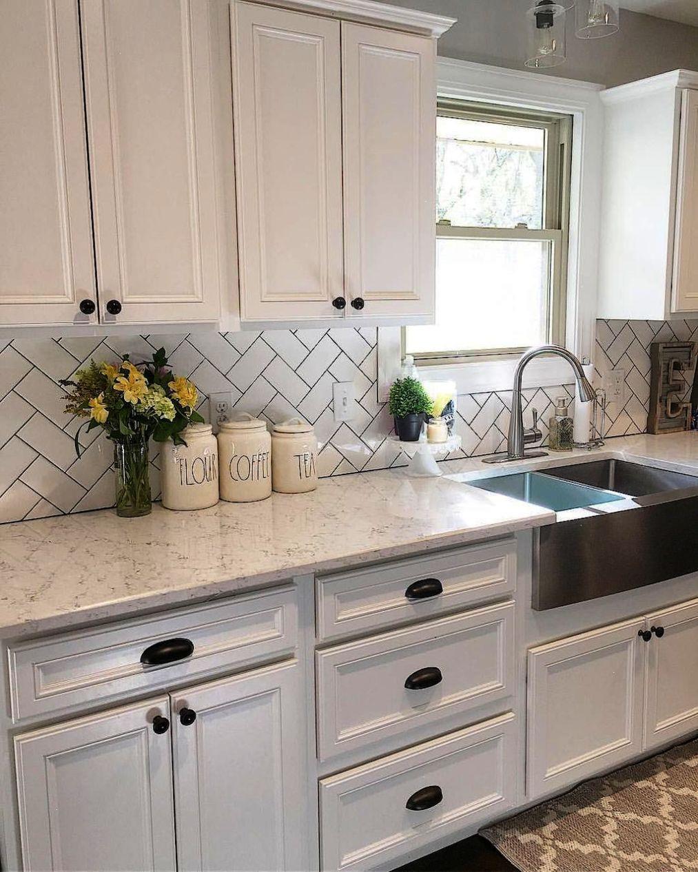Best 100 White Kitchen Cabinets Decor Ideas For Farmhouse Style Design 67 Kitchen Cabinets Decor Kitchen Cabinet Design Kitchen Backsplash Designs