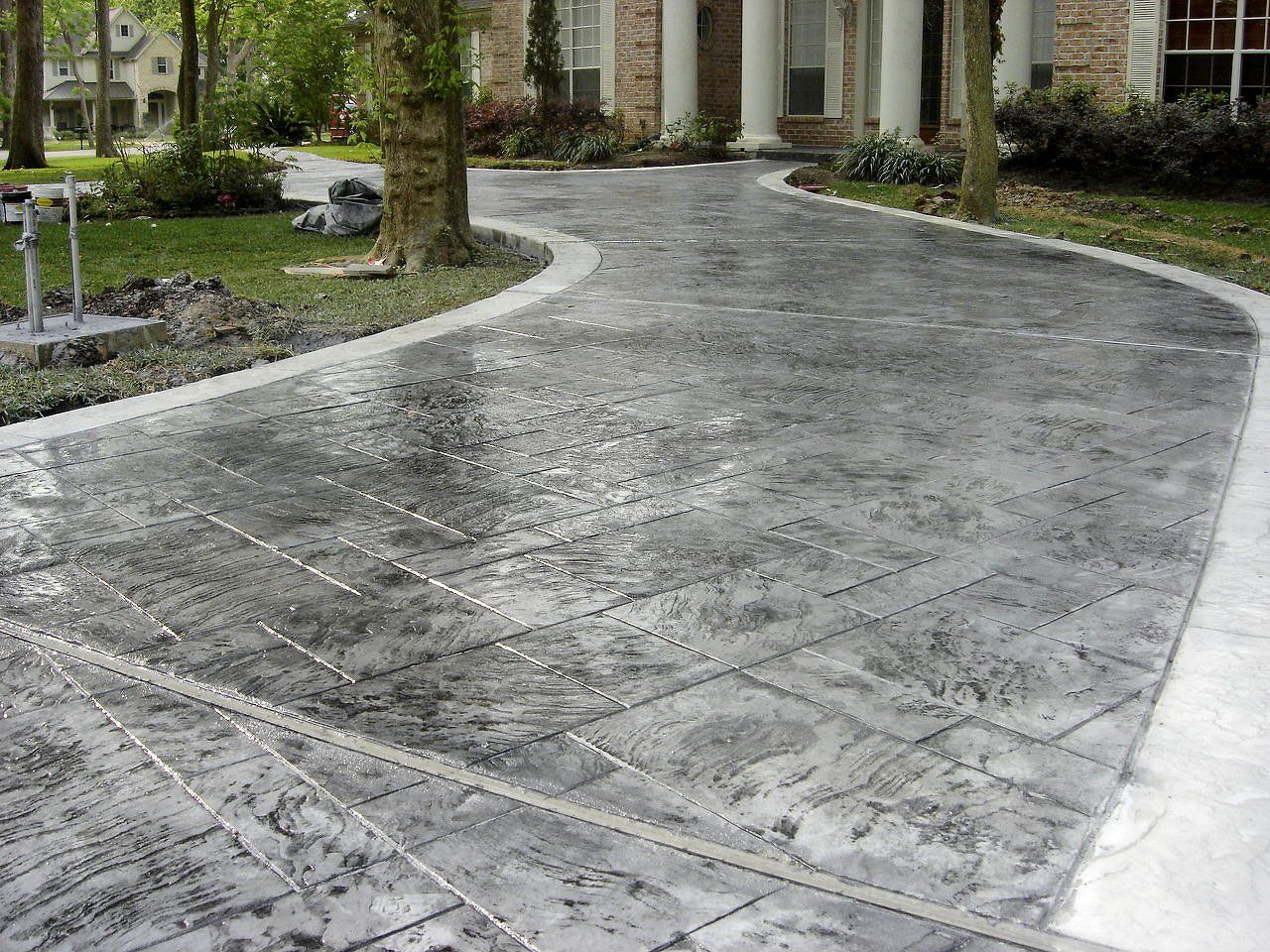 50 Best Driveway Ideas To Improve The Appeal Of Your House Stamped Concrete Driveway Driveway Design Modern Driveway