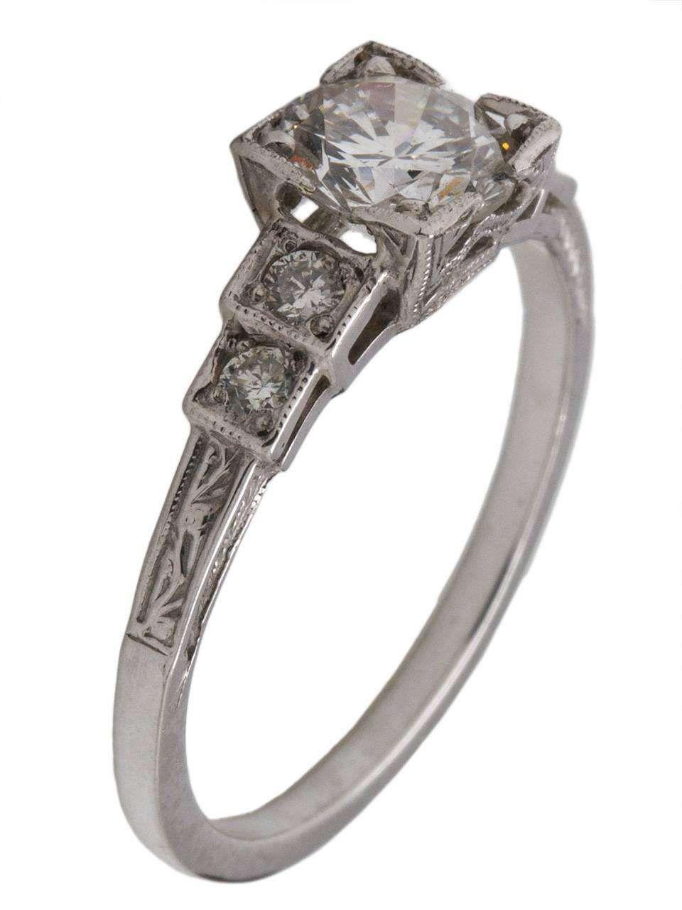 Vintage style engagement ring platinum carat round brilliant d