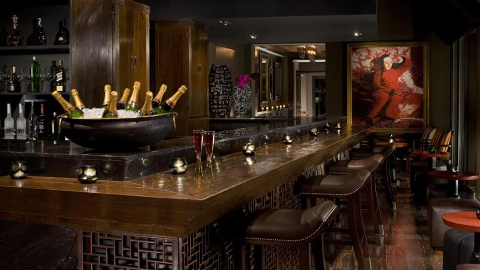 The Peninsula Nyc Salon De Ning Cuisine Type Rooftop Bar And Terrace Location 23 F Hours
