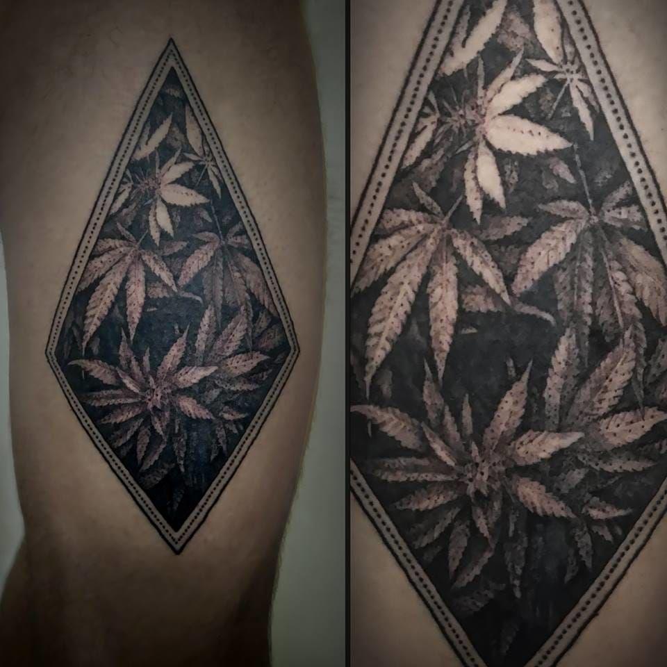16 Stoned Weed Tattoos Weed Art Branding Pinterest Tatouage