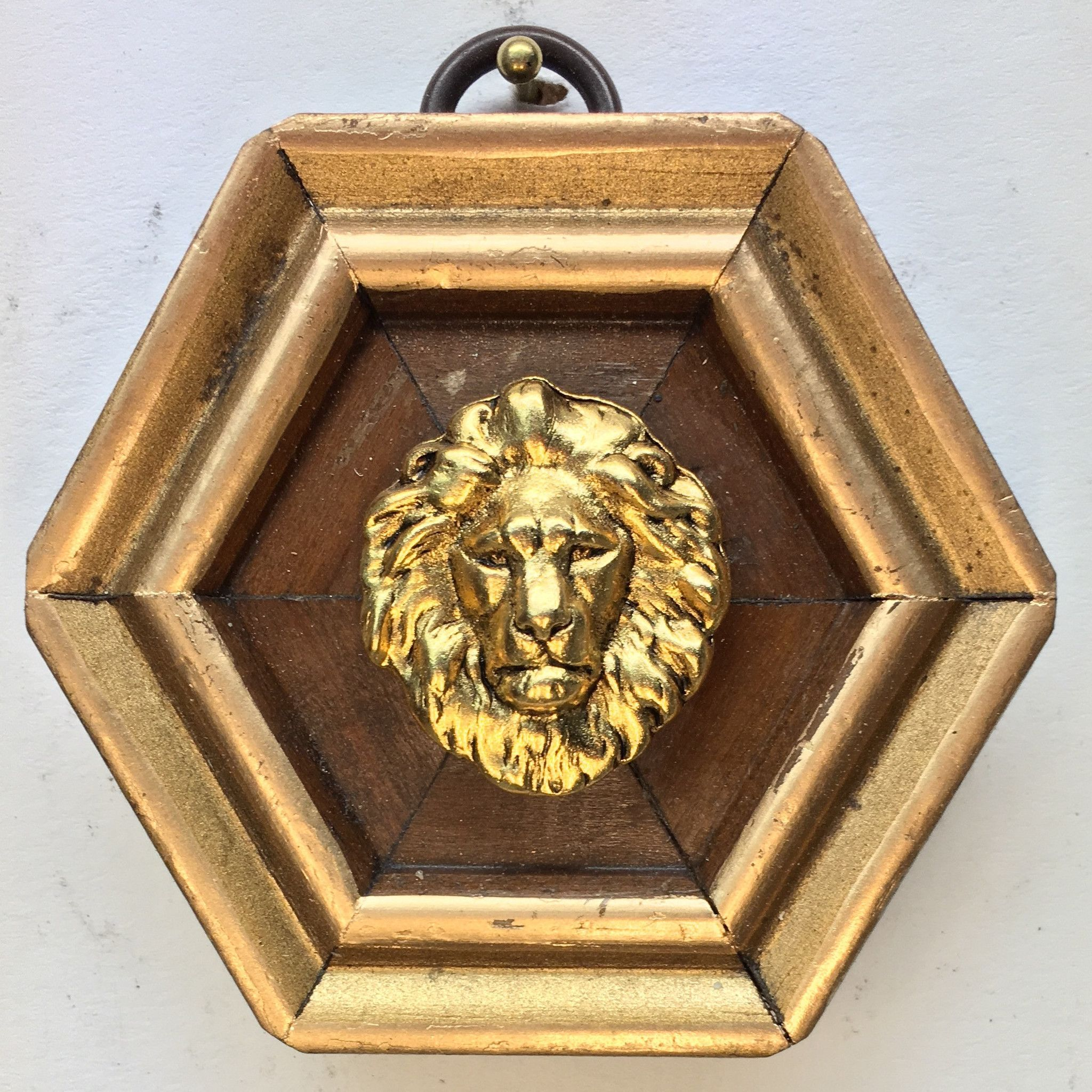 """Gilt Wooden Frame with Lion (2.75"""" wide)"""