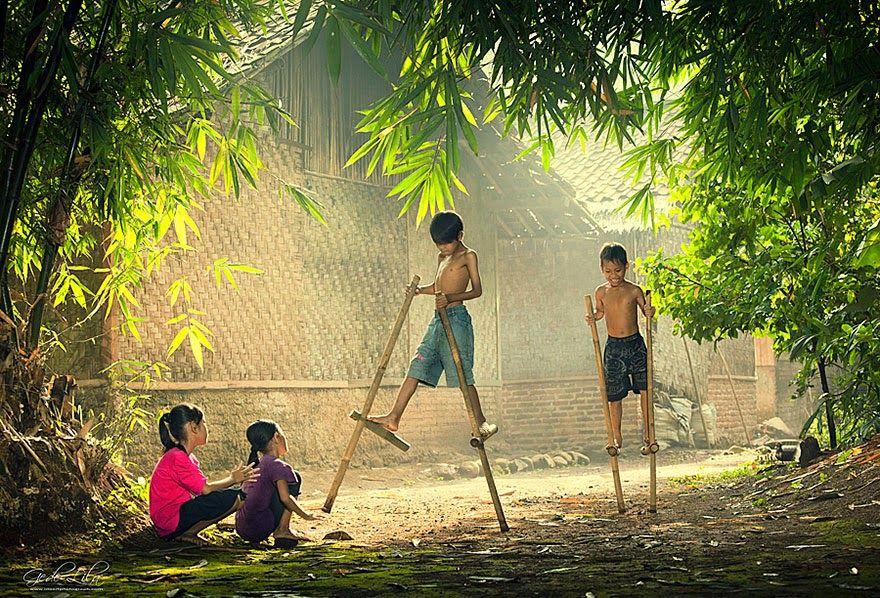 من انحاء العالم اطفال يلعبون صور Kids Playing Kids Around The World Happy Kids