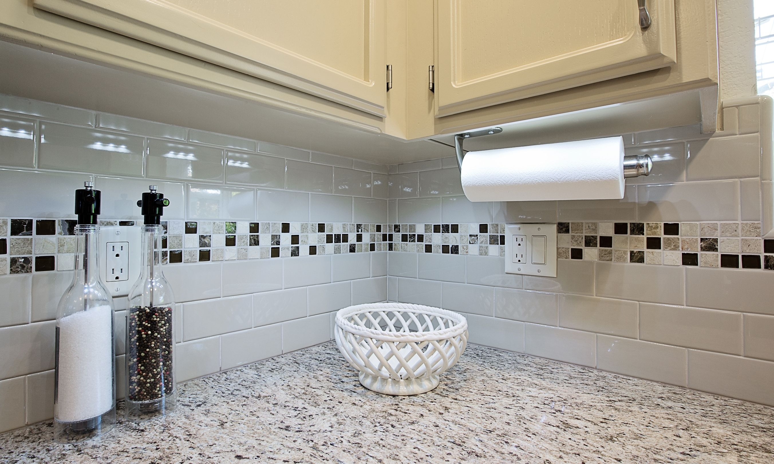 Celebrating national backsplash month part 3 kitchencrate this celebrating national backsplash month part 3 kitchencrate this daltile urban putty x 6 gloss subway tiles in a brick set pattern with an accent strip of msi dailygadgetfo Image collections