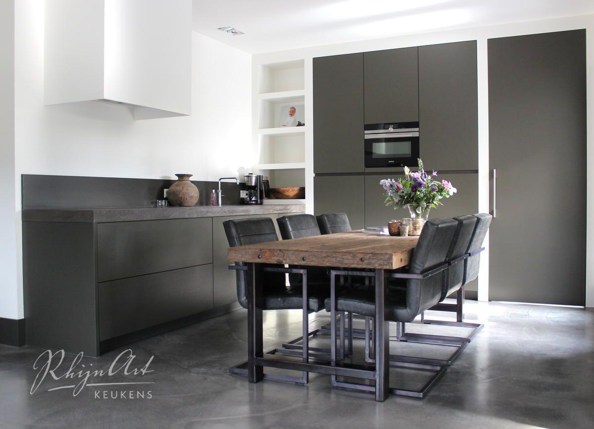 Keukens Kesteren Renovatie : Rhijnart keukens kesteren wat springt die ruwhouten tafel eruit