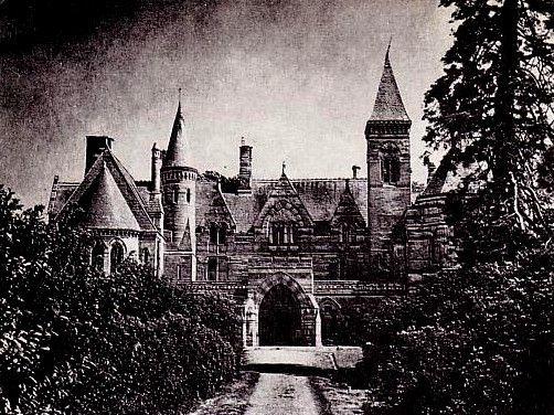 maison hantee mansions mystycal abandon creepy temples pinterest maisons hant es. Black Bedroom Furniture Sets. Home Design Ideas