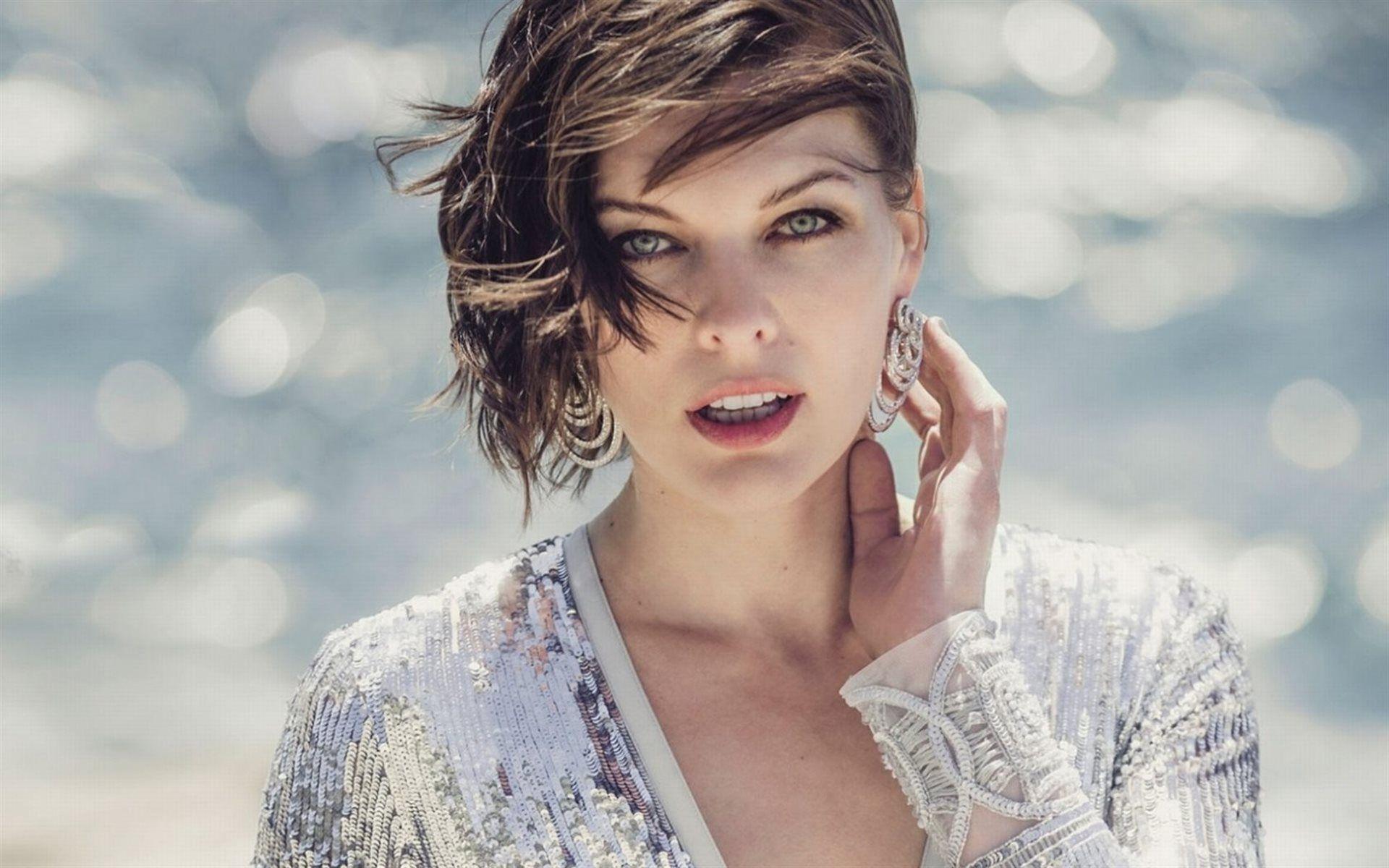 Actress Milla Jovovich Celebrity Sea Beautiful Portrait Milla
