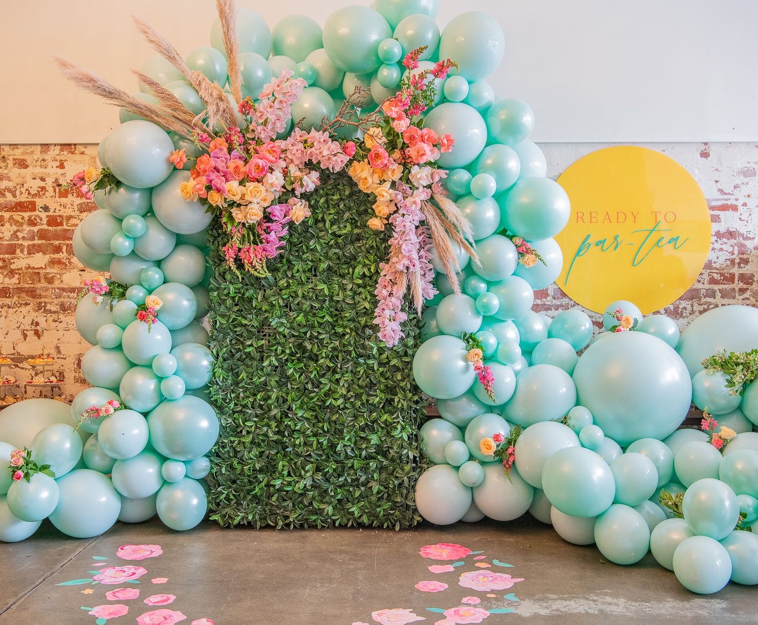 45+ Greenery backdrop with balloons inspirations