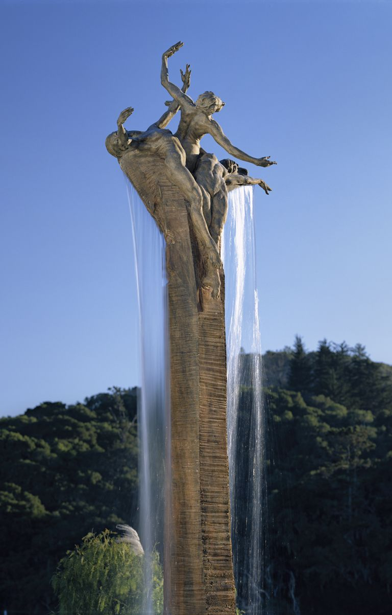 Three Graces fountain by sculptor Richard MacDonald