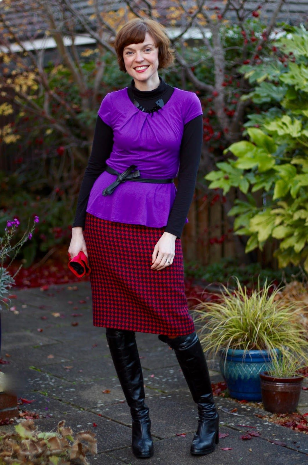 1800ad0c31 Vintage wool pencil skirt, OTK boots and a peplum top, over 40 | Fake  fabulous