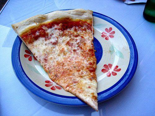 Michael Angelo's II, Astoria, Queens.. Thin crust pizza