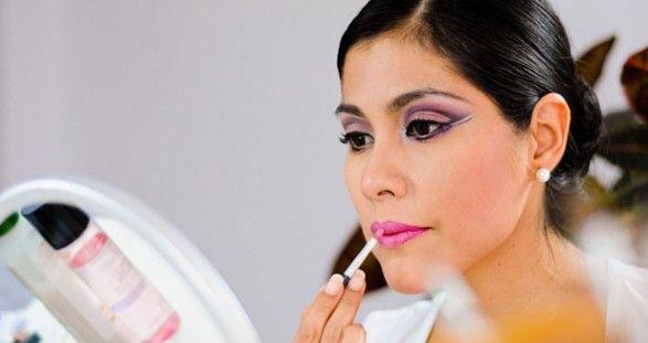 Maquillaje de Ojos para Bailar Marinera - Para Más Información Ingresa en: http://comopintarselosojos.com/maquillaje-de-ojos-para-bailar-marinera/