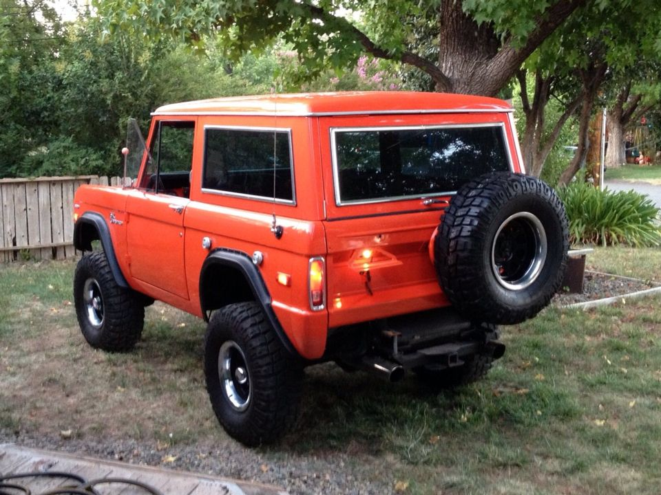 Ford Bronco Hardtop In Orange