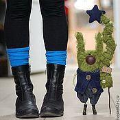 """Зайц """"Зеленка с Ёлкой""""-2 - заяц,зеленый,веселый,елка,звезда,ботинки,длинные уши"""