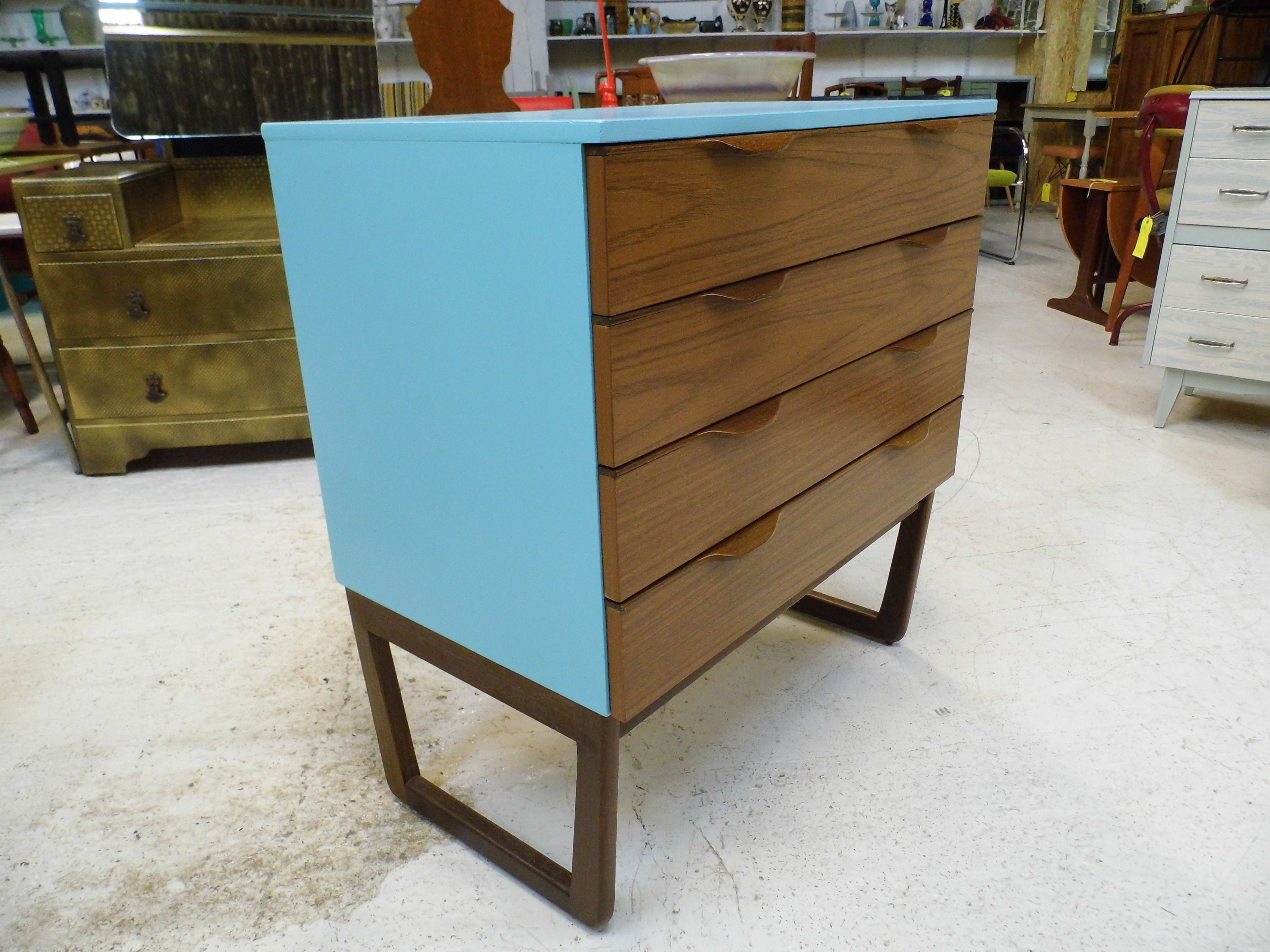 Vintage Retro Europa Teak style 1970s chest of Drawers danish ...
