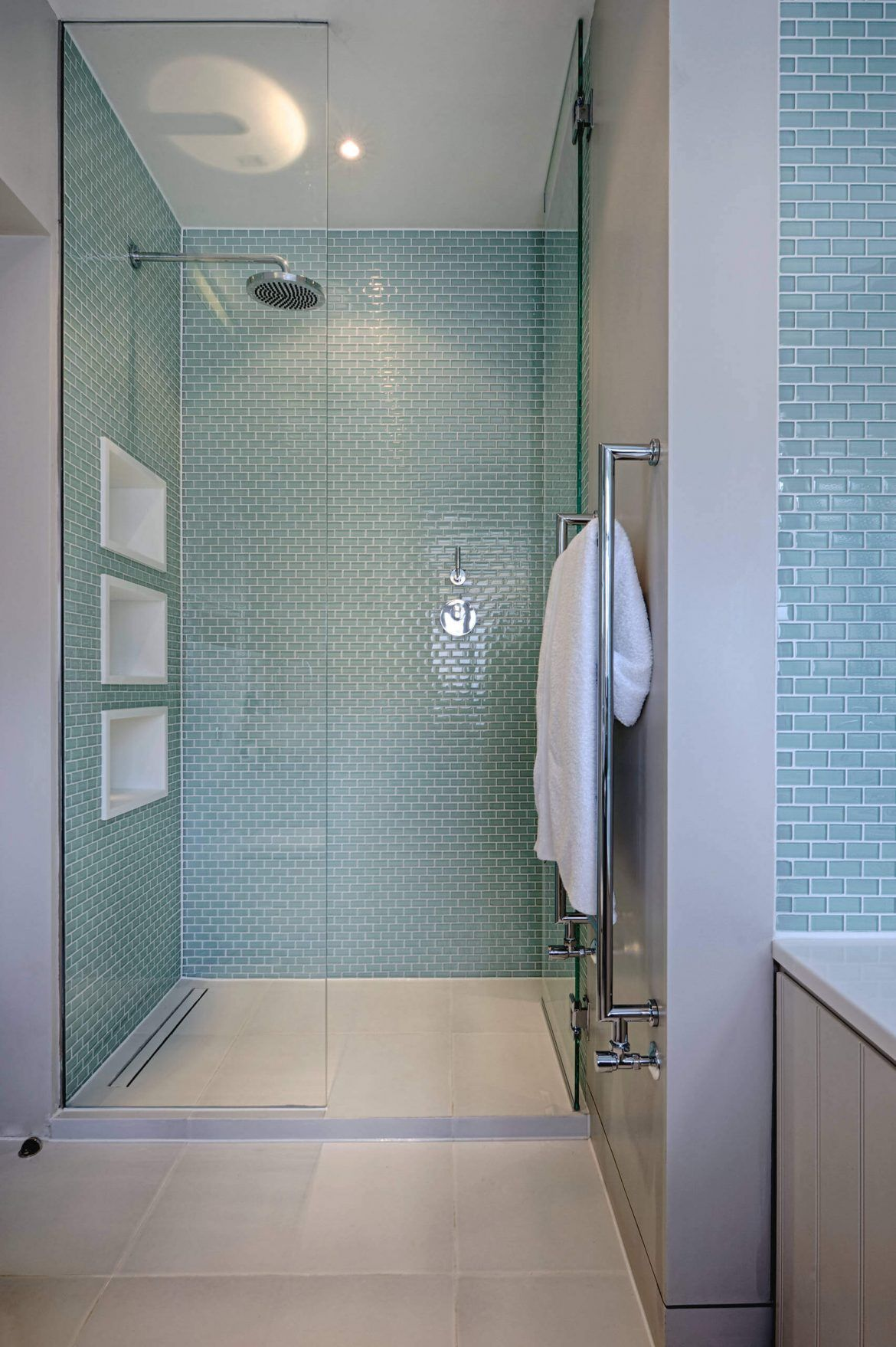 44 FREE Shower Tile Ideas and Designs for 2020 Shower