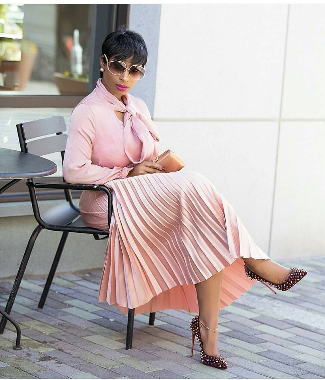 66412e9559855e Chic Ama has to be the hottest fashion blogger because of her sense ...