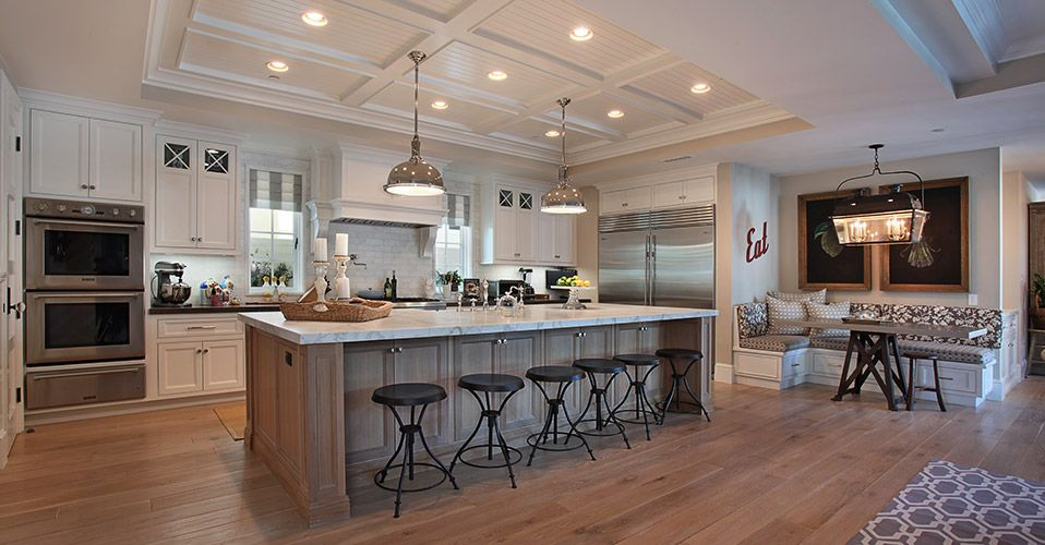 Cozy beach kitchen kitchen remodel kitchen layout