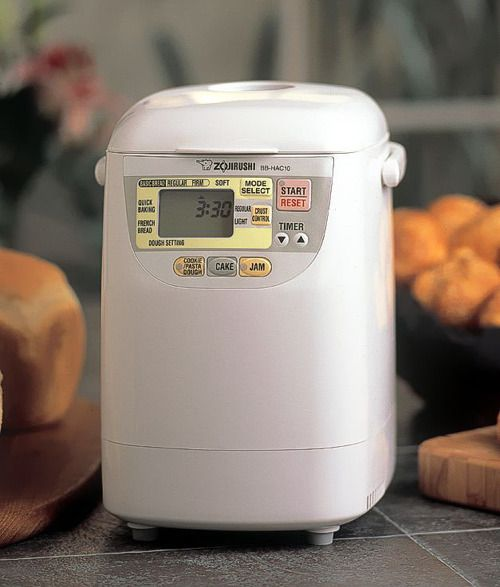 Zojirushi Home Bakery Mini - Perfect for the family of two, this breadmaker makes everything from bread, to cakes, to jams, to meatloaf! #pleasanthillgrain