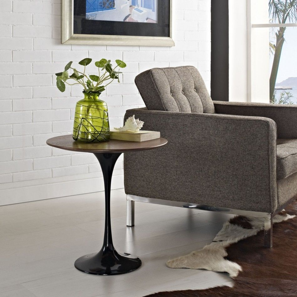 Round Light Oak Wood Saarinen Side Table Tops Along With Black Tulip Table Legs