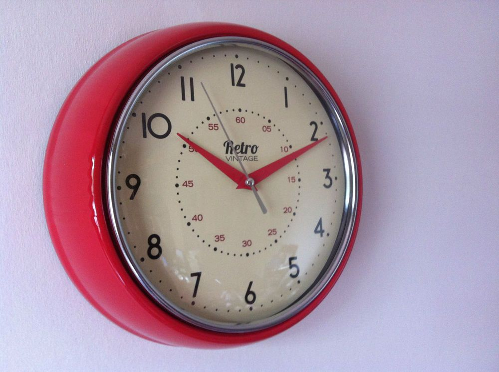 ROUND KITCHEN CLOCK RETRO VINTAGE SHABBY RED BLACK CREAM BLUE CHROME WALL  CLOCK