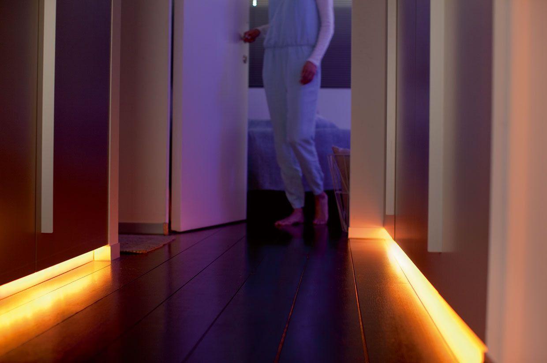 Philips Hue Lightstrip Plus vs Belkin WeMo Osram Lightify Flex