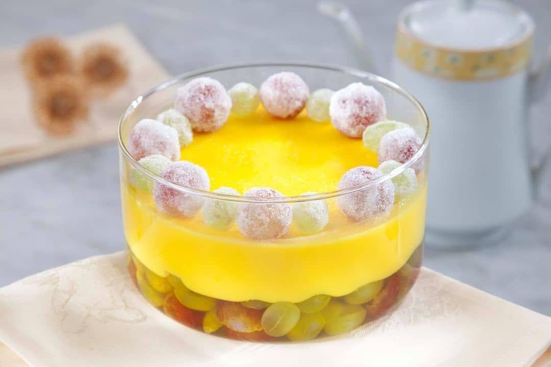 منال العالم Manal Alalem On Instagram حلو طبقات الليمون والعنب مقادير الوصفة 2 كوب ماء مغلي 3 باكيت جيلو أصفر بطعم الليمون 2 3 كوب In 2021 Desserts Food Gummy Candy
