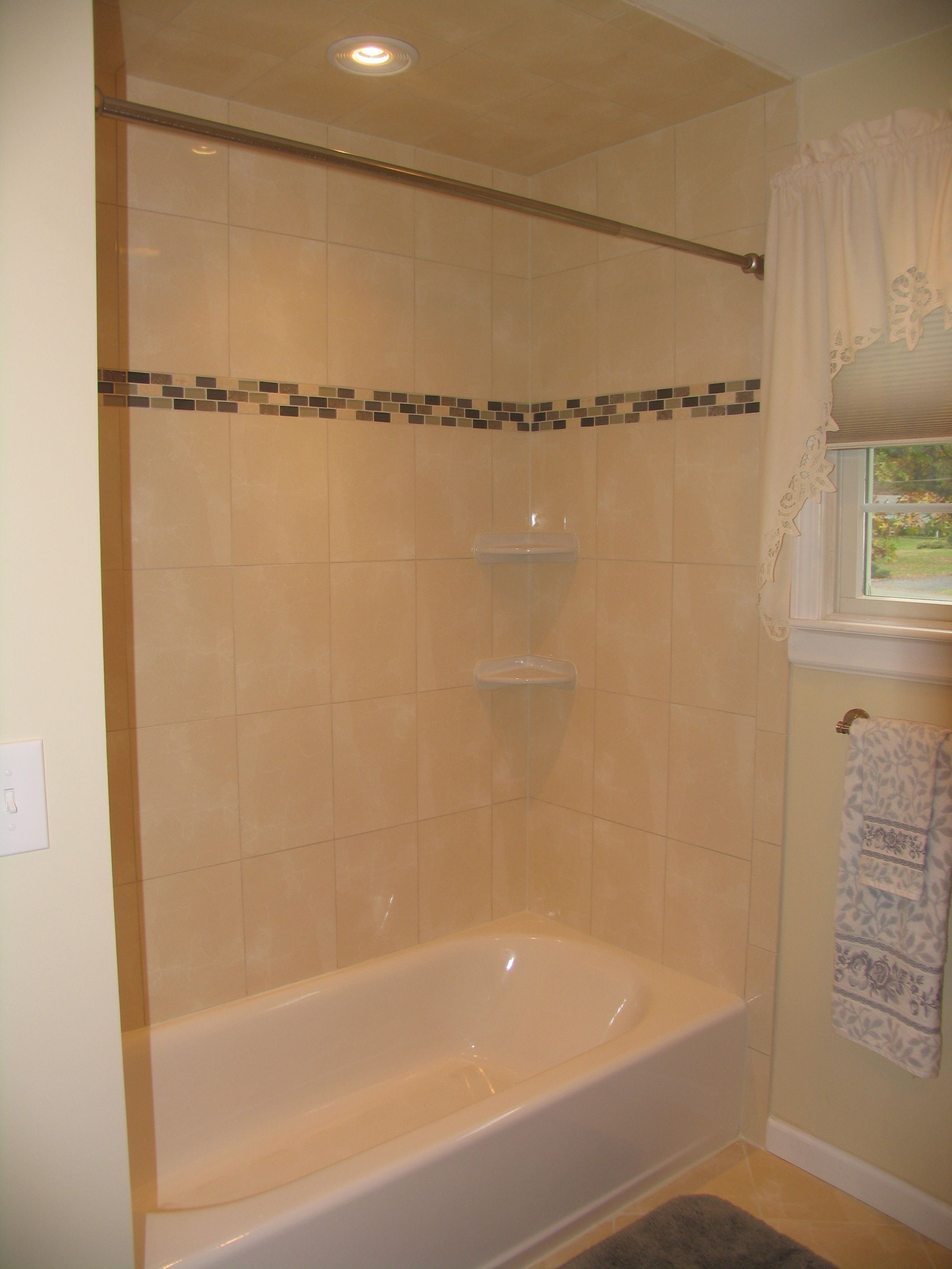 Tub tile surround with easy shelves. | home remodel | Pinterest ...