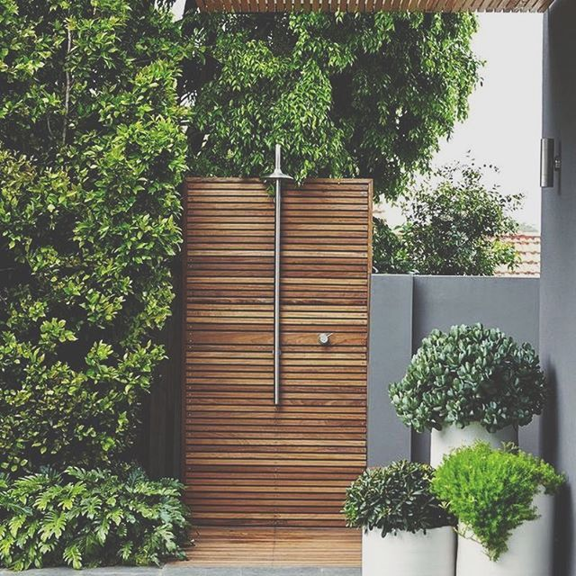 Stunning Outdoor Shower! Absolutely Love The Use Of Timber And Greenery  Here. Using The