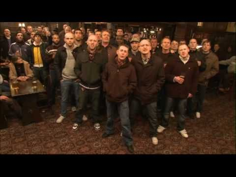 Football hooligans singing Savage Garden - Truly Madly Deeply #hardchorus #middleclassheroes
