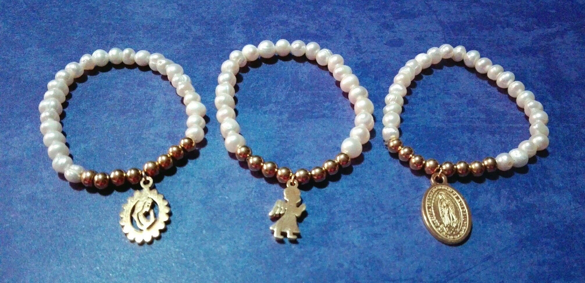 Pulseras con perlas de río y billas y dije de acero, Virgen, Ángel y Virgen de guadalupe. (Para muñeca delgada)