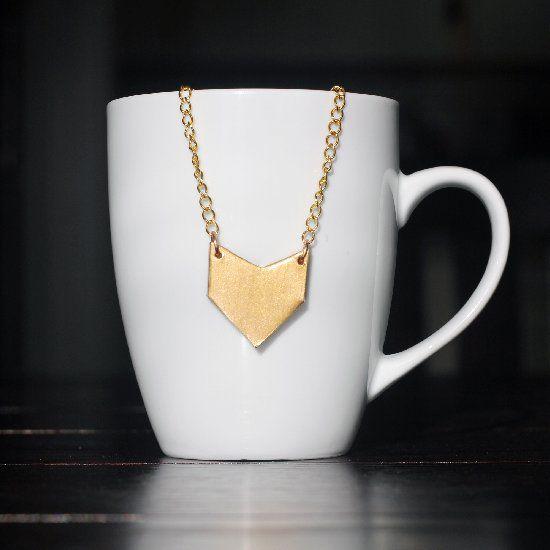 DIY Gold Arrow Necklace