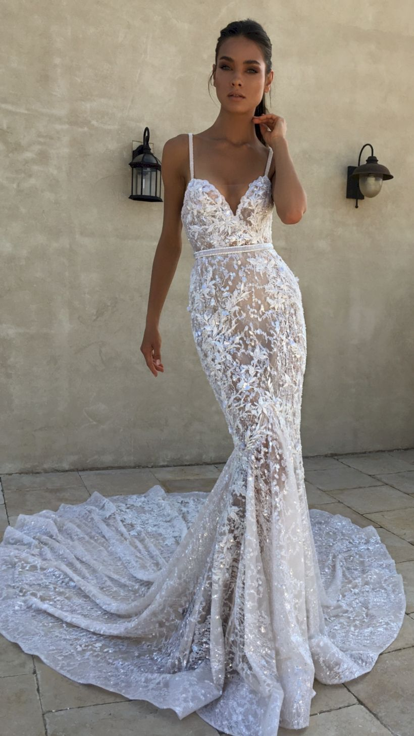 Vestito Da Sposa Western.Wedding Themes Can Permit The Decorations To Include Roses You Re
