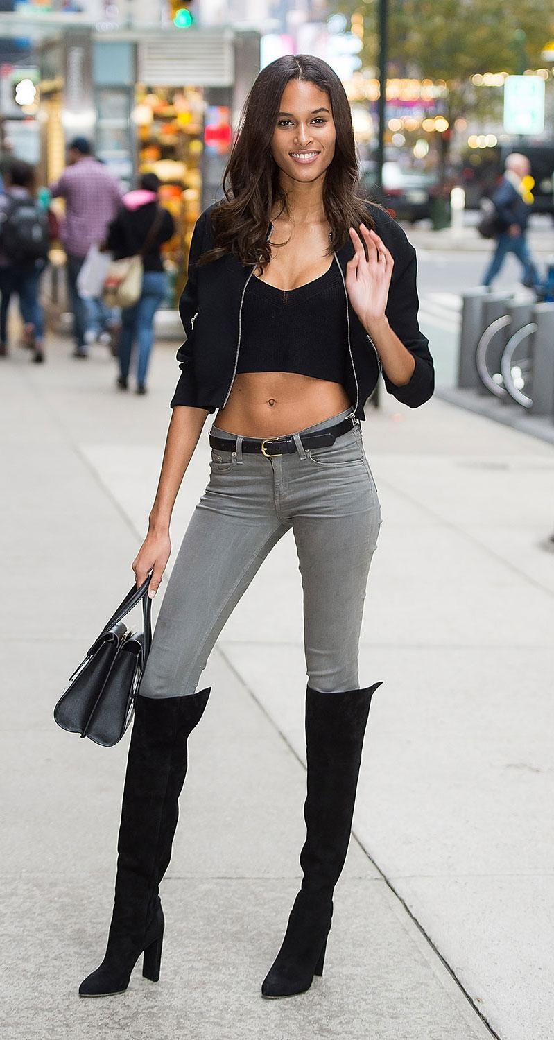 3d6525d631c Victoria s Secret model Cindy Bruna looked SO good in a black crop top