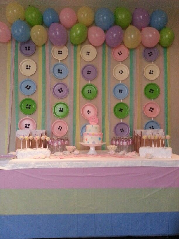 Baby shower theme and decor: cute as a button!  Creative baby