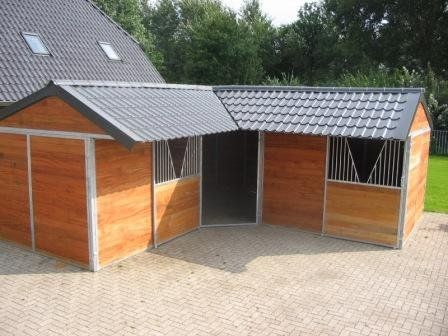 Paardenstal stallen ponystal te koop aangeboden op for Boerderij met stallen te huur