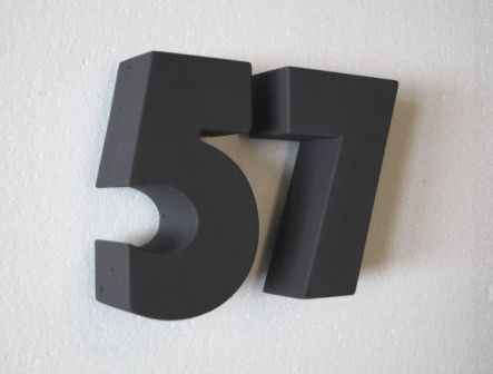 Hausnummer Anthrazit hausnummern aus beton erhältlich in vielen farbtönen z b anthrazit