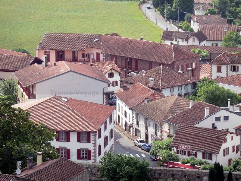 Saint-Jean-Pied-de-Port: Vue sur les toits de la ville